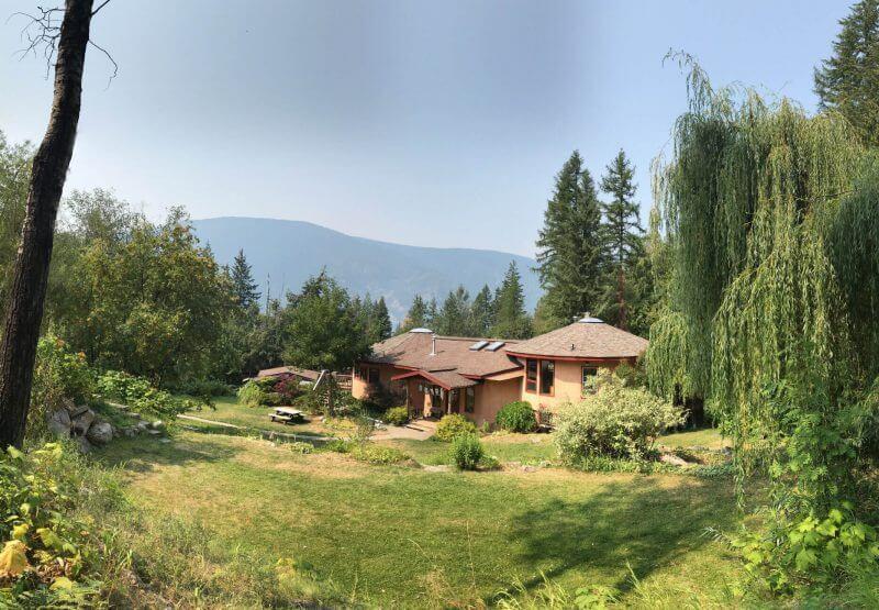 Garden Views of Mountain Waters Retreats